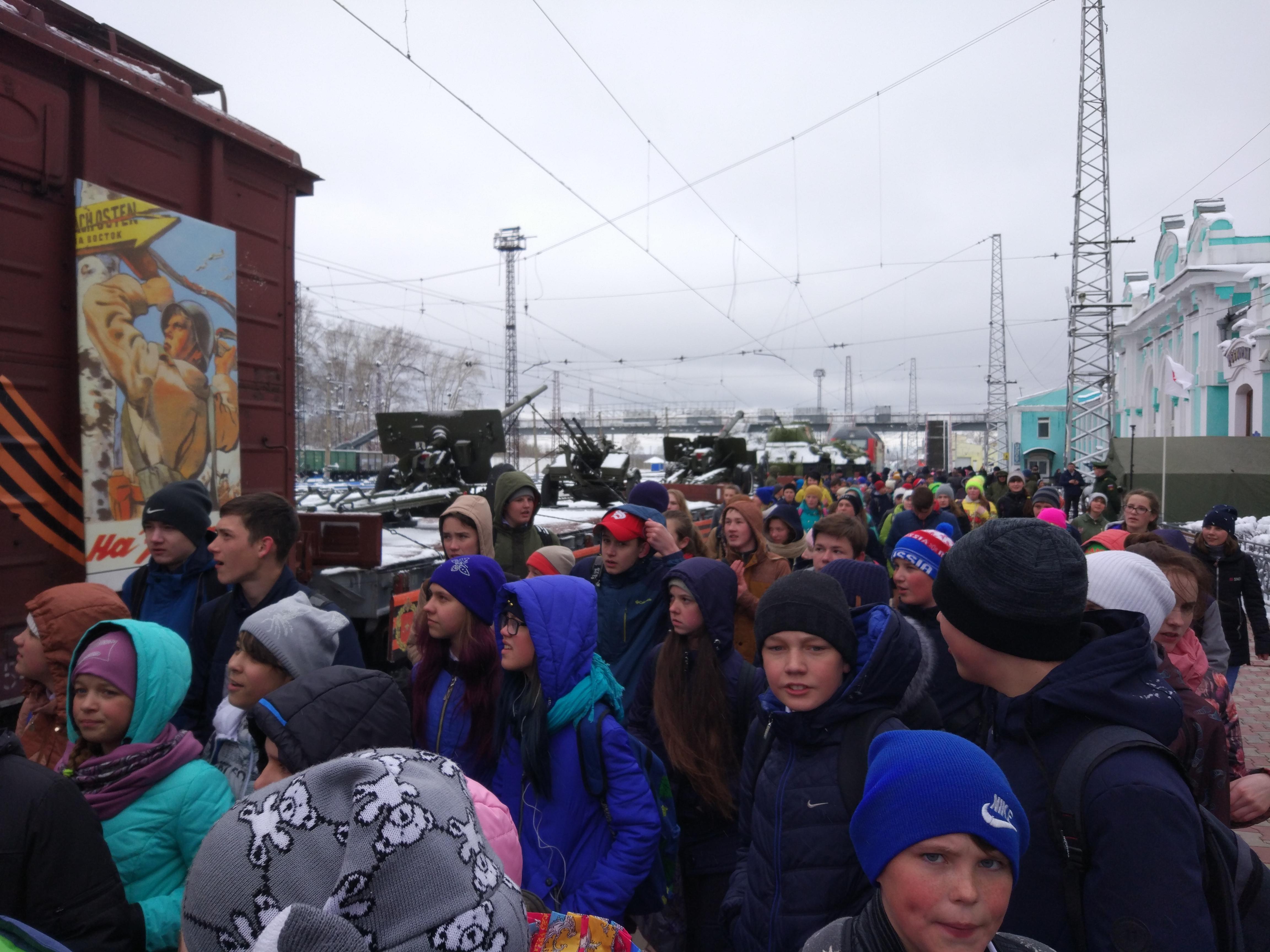 Поезд Армия Победы на станции Тайга