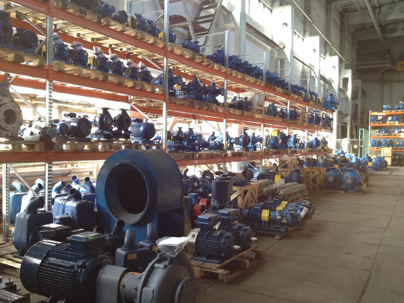 Более 2000 наименований насосов на складе