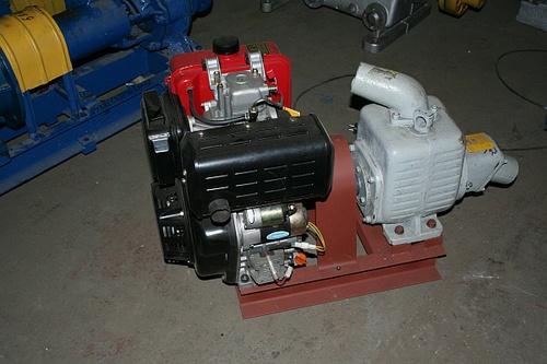 Насос с дизельным двигателем